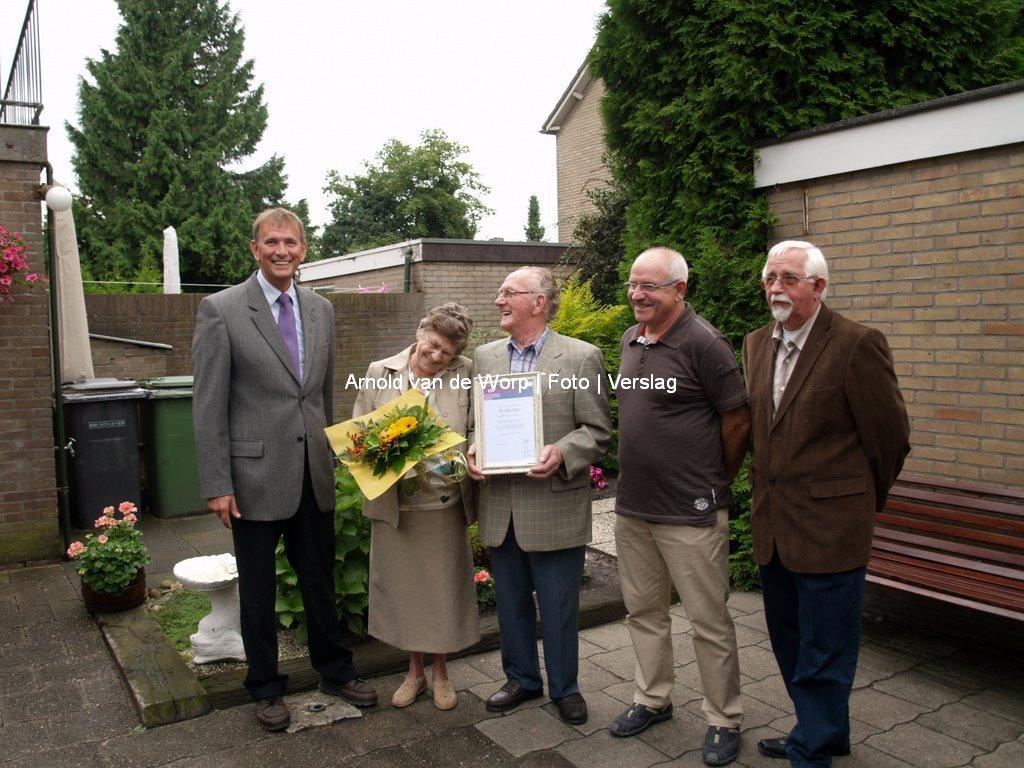 Dhr van Oene 60 jaar lid van de CNV 20=08-2008